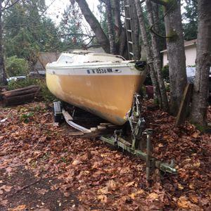 Free Boat And Trailer With Papers for Sale in Poulsbo, WA