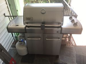 Weber Genesis 320 BBQ grill for Sale in Rockville Centre, NY