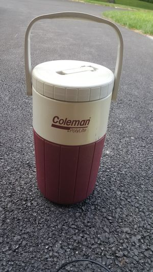 Coleman polylite half gallon thermos for Sale in Old Mill Creek, IL