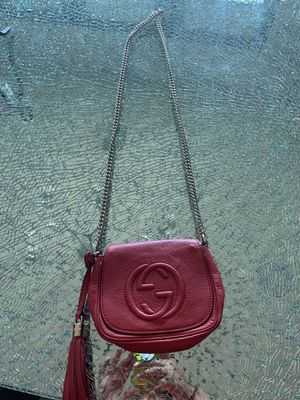 Gucci Crossbody Bag - Real for Sale in Scottsdale, AZ