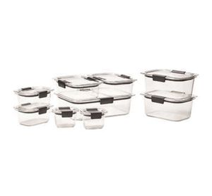 18 pieces Rubber maid storage containers for Sale in New York, NY