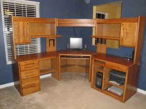 Orman Grubb Desk (SOLID OAK) for Sale in El Cajon, CA