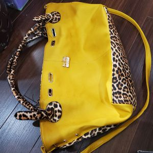 authentic leopard coach big handbag. perfect condition for Sale in Plano, TX