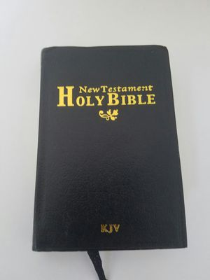 Free New Testament for Sale in Columbus, OH