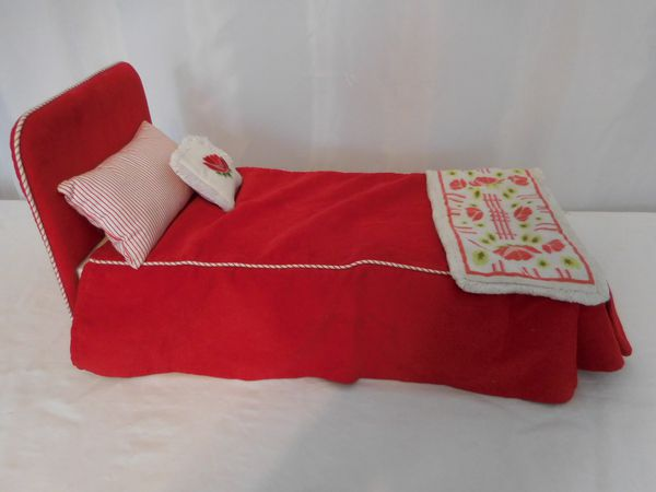 American Girl Doll Molly Red Camp Bed Bedspread Striped & Flower Pillow + Rug