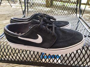 Nike mens 10.5 Stefan Janowitz skate boarding shoes. Gently used, lots of use left. for Sale in Murfreesboro, TN