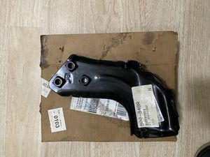 88-98 bumper bracket right for Sale in Los Angeles, CA
