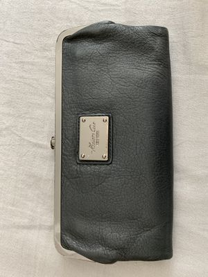 Kenneth Cole Reaction Leather Wallet/ Clutch for Sale in Yorba Linda, CA
