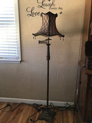 Floor / Reading Lamp. $25.00 for Sale in San Bernardino, CA