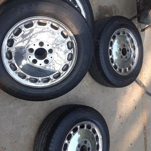 15 Mercedes Benz Tires N Rims for Sale in Highland, CA