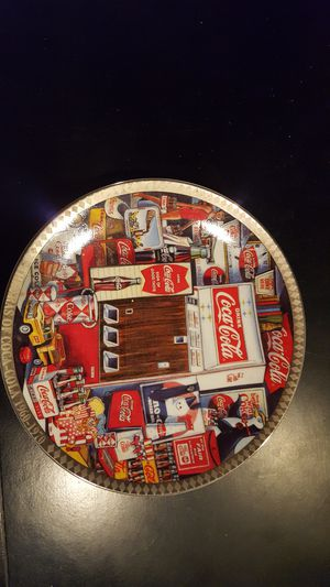Collectable coca cola glass plate for Sale in Cleveland, OH