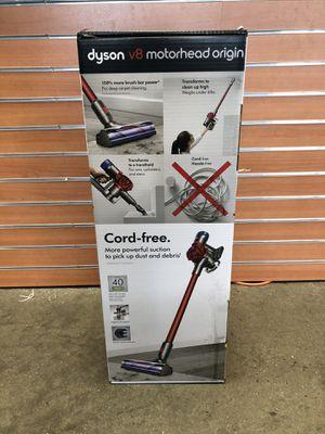 *brand new Dyson V8 Motorhead Origin Cord-Free Vacuum #17288-1 for Sale in Revere, MA