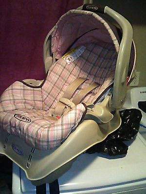 Graco car seat and base for Sale in Columbus, OH