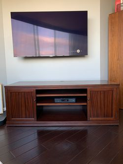 Media Console w/ Storage for Sale in Rockville,  MD