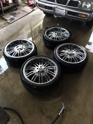 Luxury Rims with Tires 245/35ZR20 95W XL for Sale in Ontario, CA