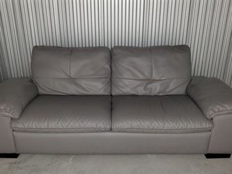 Beautiful Gray Couch for Sale in Orlando,  FL