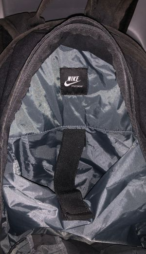 Nike backpack for Sale in Long Beach, CA