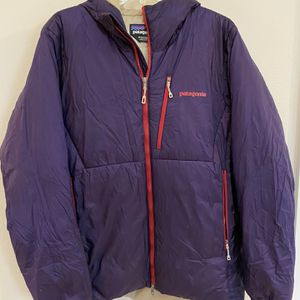 Patagonia Men's lightweight Jacket, Size M for Sale in Everett, WA