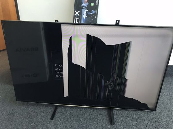 Samsung 55 inch smart TV (broken screen)