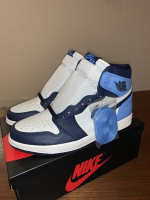 Air Jordan 1 Retro Obsidian UNC for Sale in Miami, FL