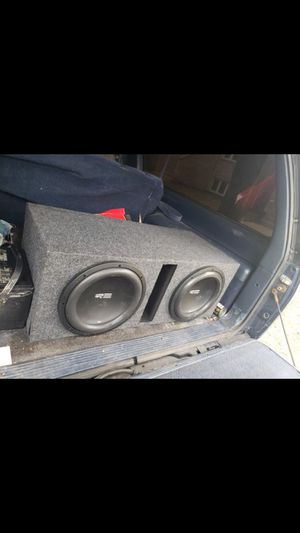 2 12' RE SUBS IN PORTED BOX WITH AMP for Sale in Independence, KS