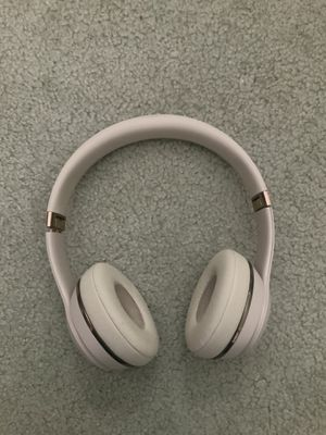 Wirelsss beats solo 3 satin gold for Sale in Mercer Island, WA