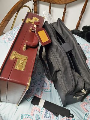 2 briefcases 💼 for Sale in HOFFMAN EST, IL