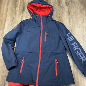 Like new* Tommy Hilfiger 3 in 1 all weather jacket* women's XL for Sale in Spokane, WA