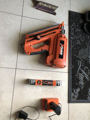 Paslode Cordless nail gun for Sale in Pembroke Pines, FL