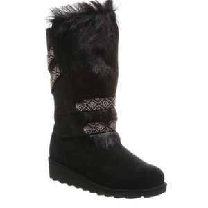 Bearpaw Claudia Boots for Sale in Somers Point, NJ