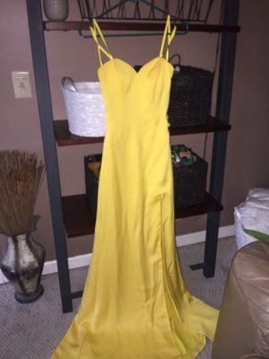 Glitz Bridal, Yellow Strapless Dress w/slit 💛 (Size 2) for Sale in Nashville, TN