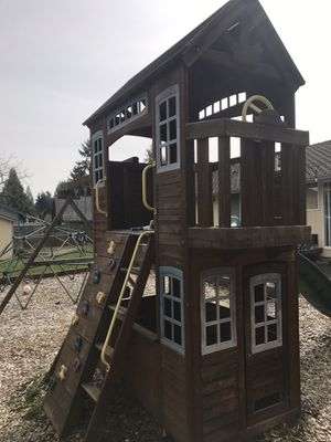 *YES IT IS AVAILABLE* Cedar Summit Play House & Swing Set *YES IT IS AVAILABLE* for Sale in Renton, WA