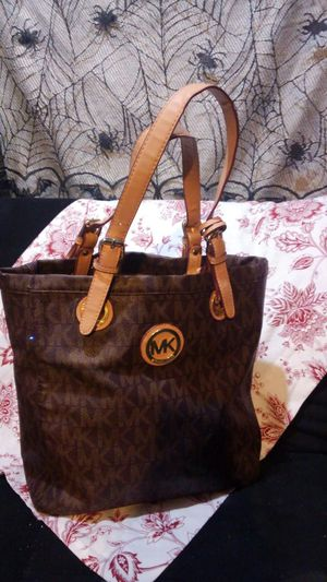Auth. Michael Kors tote purse for Sale in Las Vegas, NV