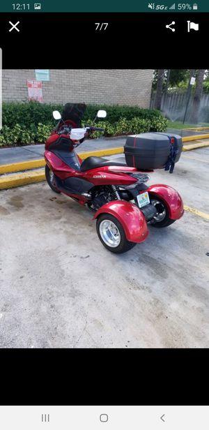 2016 scooter for Sale in Miami, FL