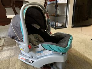 Graco Car Seat with CarBase for Sale in Boca Raton, FL