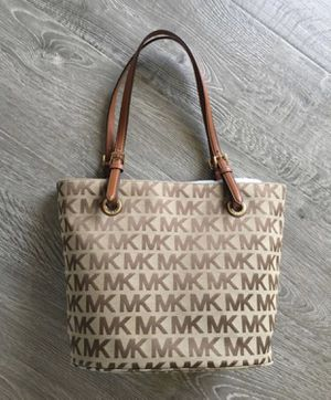 Michael Kors medium tote bag for Sale in Pearblossom, CA