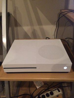 Xbox one s 500gb for Sale in Manassas, VA