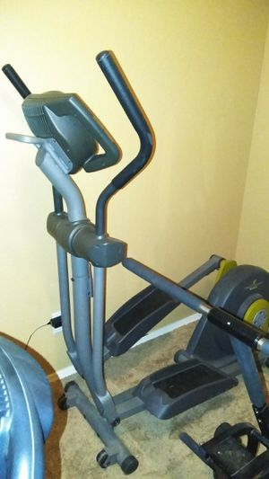 Elliptical good condition just missing the battery door for Sale in Laveen Village, AZ