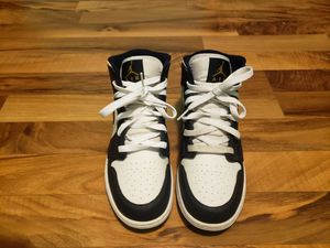Jordan 1 obsidian mid size 6 for Sale in Chicago, IL