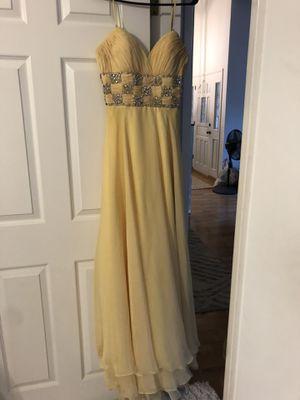 Beautiful Pale Yellow Long Formal Dress for Sale in Bakersfield, CA
