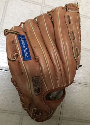 "Wilson A2654 Tom Glavine Signature Edition Baseball Glove 12"" RHT for Sale in Glenarden, MD"