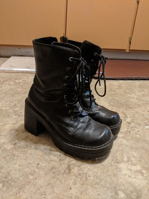Women's Chunky Black Boots Size 8 for Sale in Modesto, CA