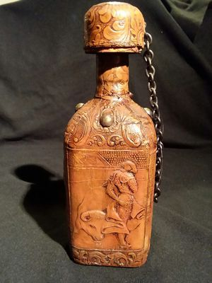Antique engraved leather bottle. for Sale in Cresco, PA