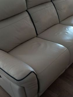 Leather Powered Reclining Sofa for Sale in Hoffman Estates,  IL
