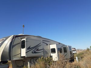 5th wheel trailer and truck for Sale in San Diego, CA