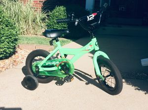 """Giant Animator 12"""" bike with training wheels for Sale in Manchester, MO"""