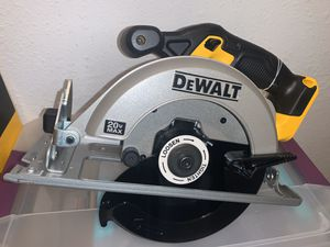DEWALT 20v CIRCULAR SAW 6-1/2 ( TOOL ONLY) NO BATTERY NO CHARGER for Sale in Dallas, TX
