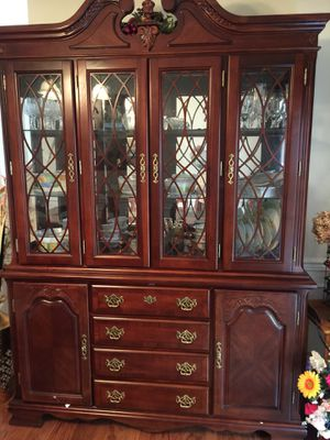 Hutch and Buffet Set and Dining table with Six chairs for sale in Good condition for Sale in Ashburn, VA