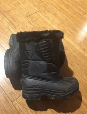 Kids toddler size 10c snow boots black for Sale in Sacramento, CA