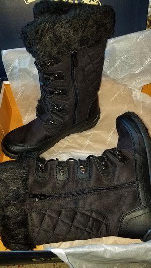 Winter boots for Sale in Miami, FL